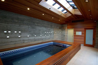 Bể bơi trong nhà