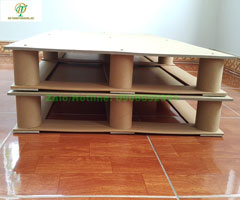 Pallet giấy cứng