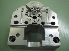 Injection mold Material 2085