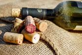 Keo dính gỗ làm nút chai