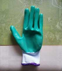 Găng tay phủ nhựa xanh lá