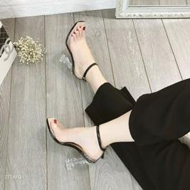 Giày cao gót quai da