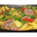 Bò xào khoai tây chiên
