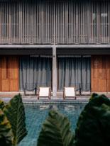 Khách sạn khu nghỉ dưỡng