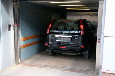 Thang máy tải ô tô