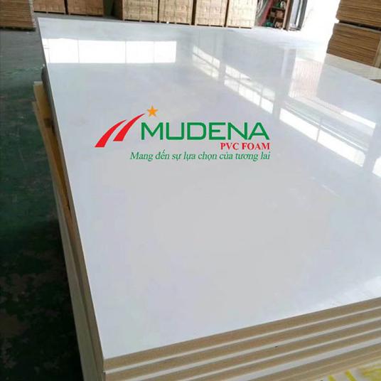 Tấm nhựa Mudena 2 mặt bóng